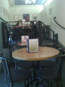 Leakeys cafe